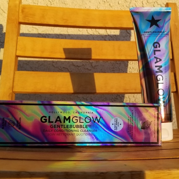 GLAMGLOW Other - GlamGlow Gentle Cleanser